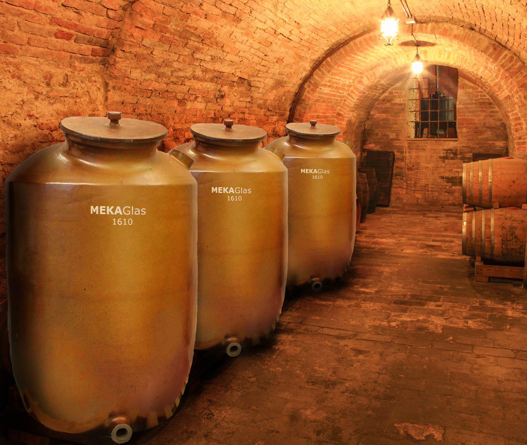 Tonbehälter mit 950 Litern Fassungsvermögen